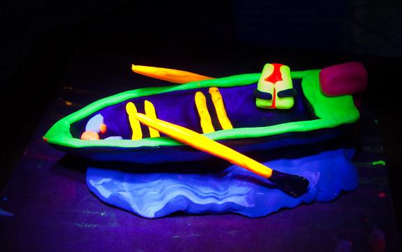 Флуоресцентный пластилин